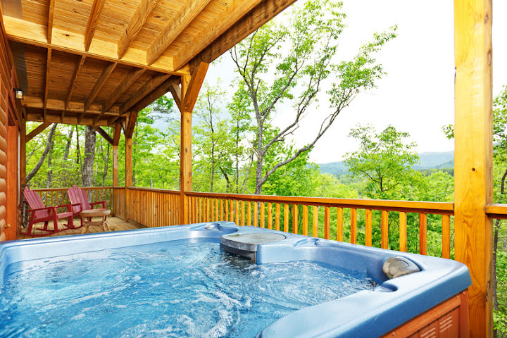 cabins in helen ga with hot tubs