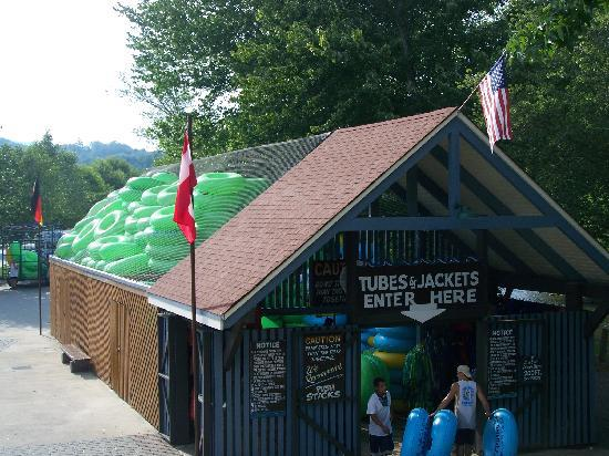 cool river tubing company in helen georgia
