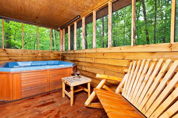 hot tub cabins in helen ga