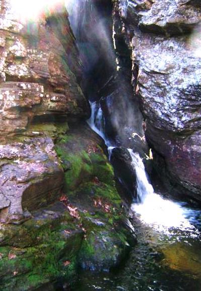 raven cliffs falls