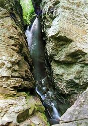 raven cliffs trail falls