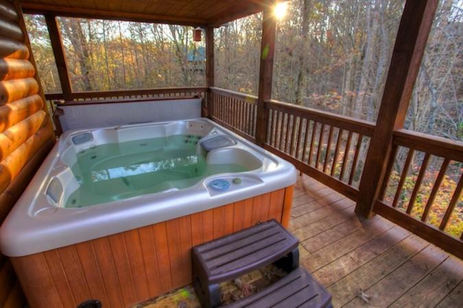 jacuzzi-tub-cabin.jpg