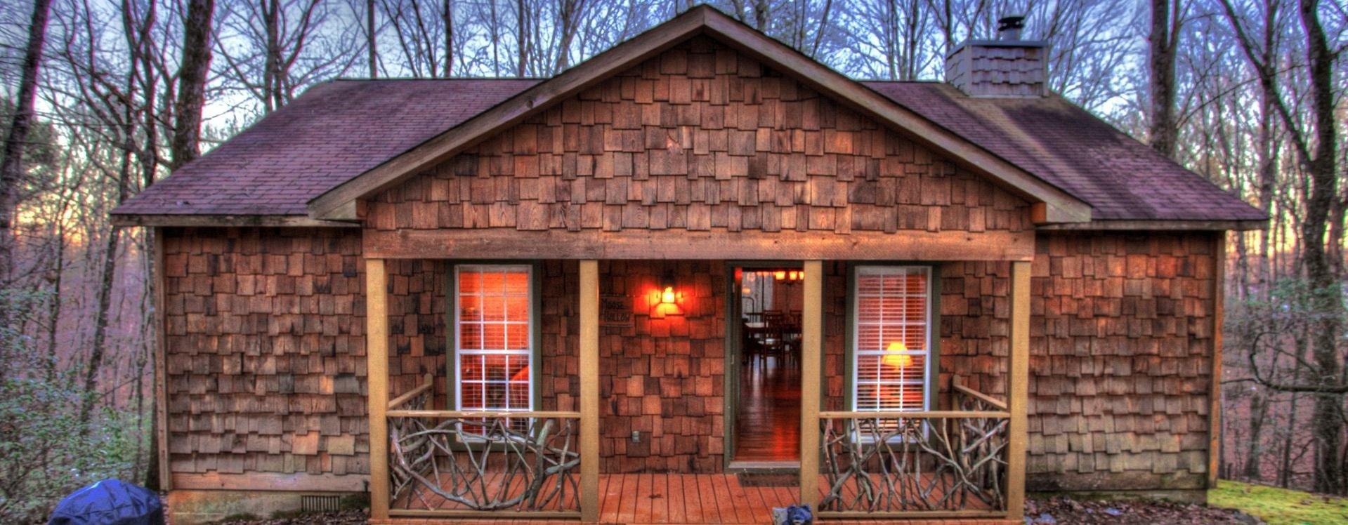 Moose-Hollow-Cedar-Creek-Cabin-Rentals-Helen-Georgia-top-banner