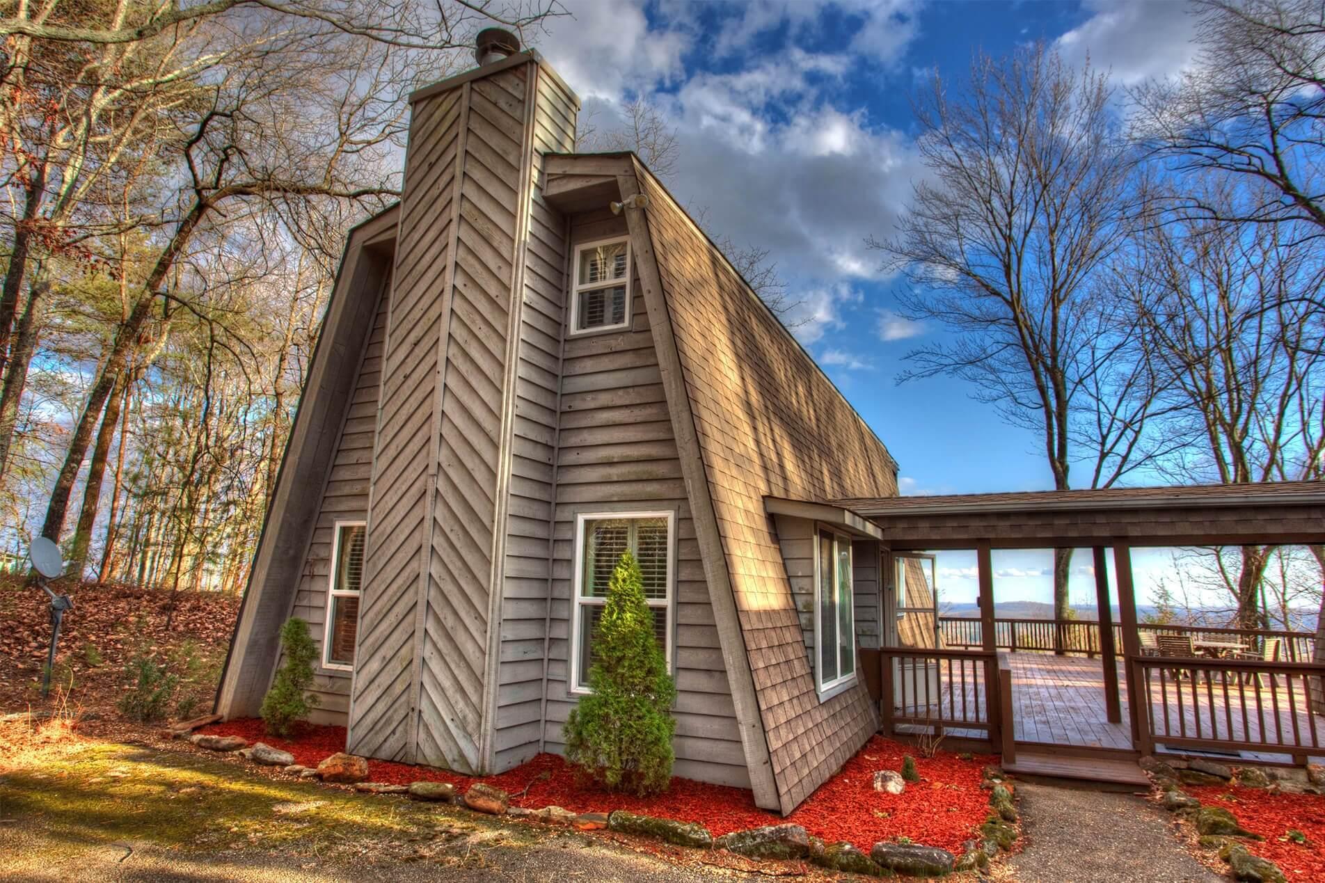 Sweet-Retreat-Cedar-Creek-Cabin-Rentals-Helen-Georgia-top-banner-tiny