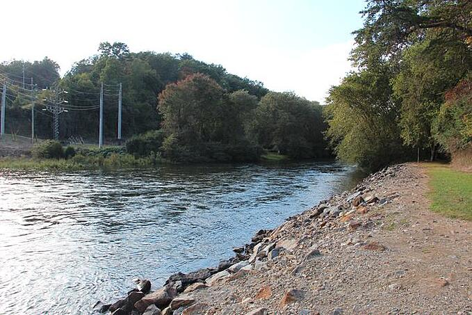 Fly Fishing The Upper & Lower Toccoa River For Trout