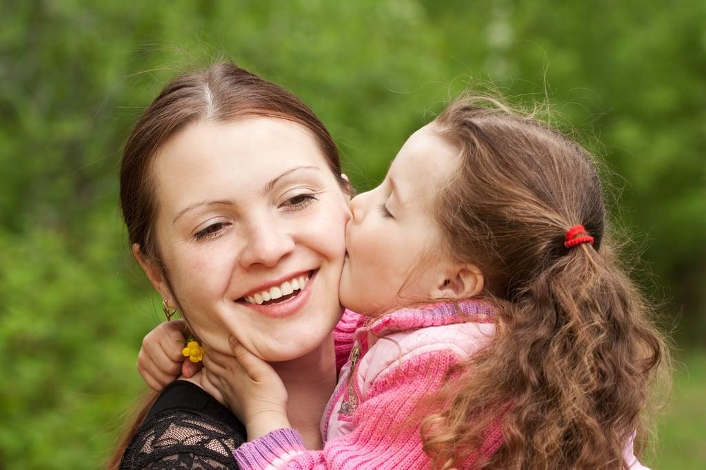 Woman-Daughter-Kiss-Oktoberfest Trivia-Tradition.jpg
