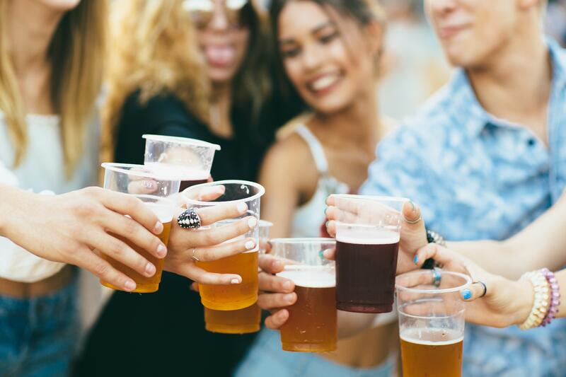 Planning_Group_Beer_Oktoberfest_shutterstock_701606059