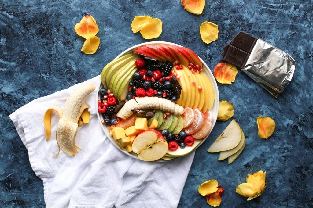 romance_fondue_fruit_brenda-godinez-228181-unsplash.jpg
