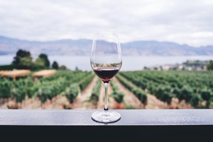 romance_winery_wine_glass_unsplash