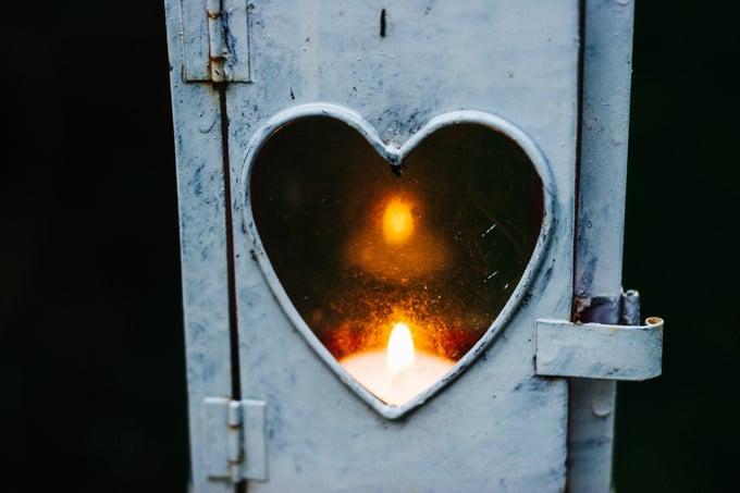 romance_Heart_flame_cathal-mac-an-bheatha-208192-unsplash