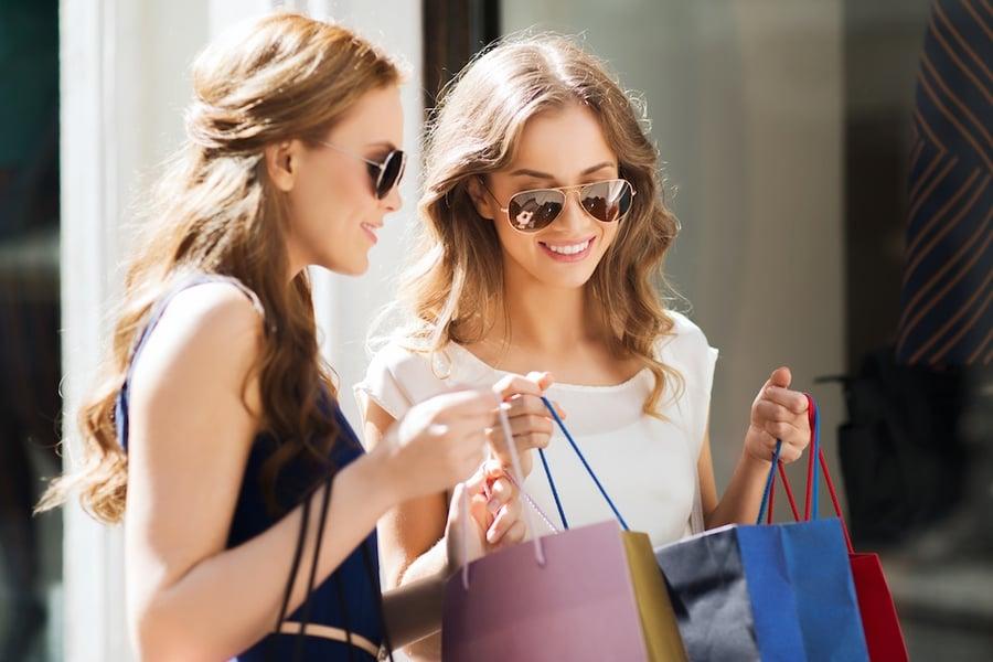 2_Women_Shopping_shutterstock_387668197