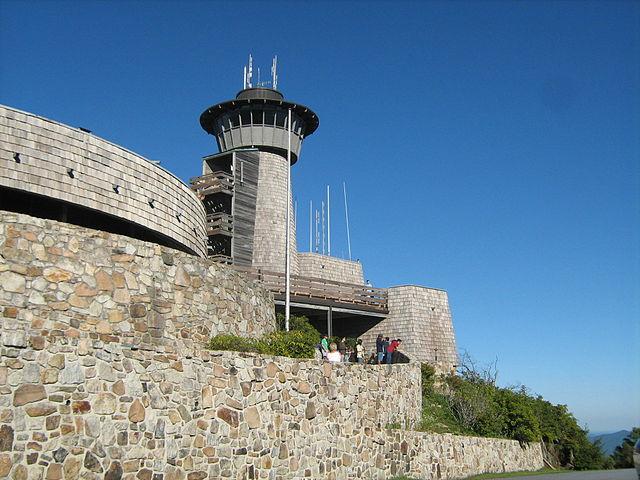 640px-Brasstown_Bald_observation_tower-1