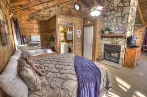 Bears-Den-Cedar-Creek-Cabin-Rentals-Helen-Georgia-top-banner-1