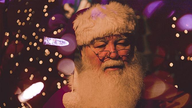 Christmas-St-Nikolaus-Santa-Clause-Traditional-Holiday-Cedar-Creek-Cabin-Rentals-Helen-GA