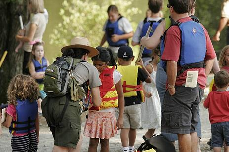 Kids-Getting-Ready-for-the-River-at-Chattahoochee