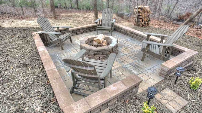 North-Georgia-Hot-Tub-Tips-luxury-Amenities-Cedar-Creek-Cabin-Rentals-Helen-Georgia-inside-jacuzzi-2