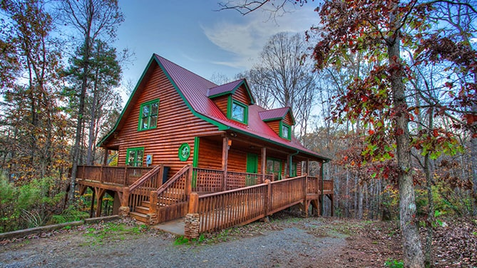 North-Georgia-Hot-Tub-Tips-luxury-Private-Cedar-Creek-Cabin-Rentals-Helen-Georgia-inside-jacuzzi