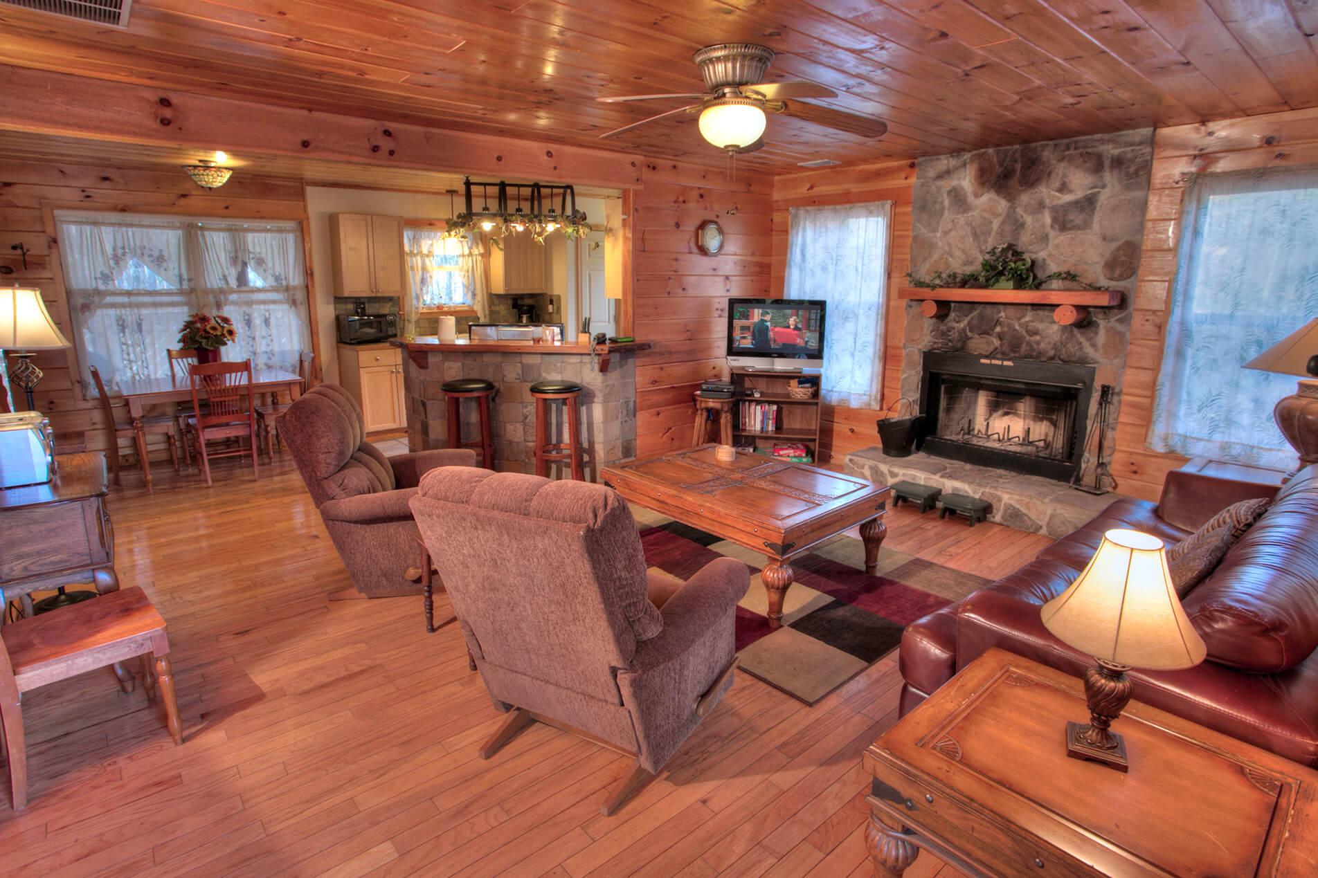 Speckled-Trout-Cedar-Creek-Cabin-Rentals-Helen-Georgia-top-banner-1