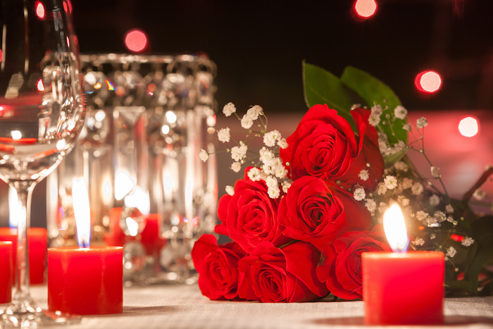 Valentines_Roses_Candles_shutterstock_553980328 (1)