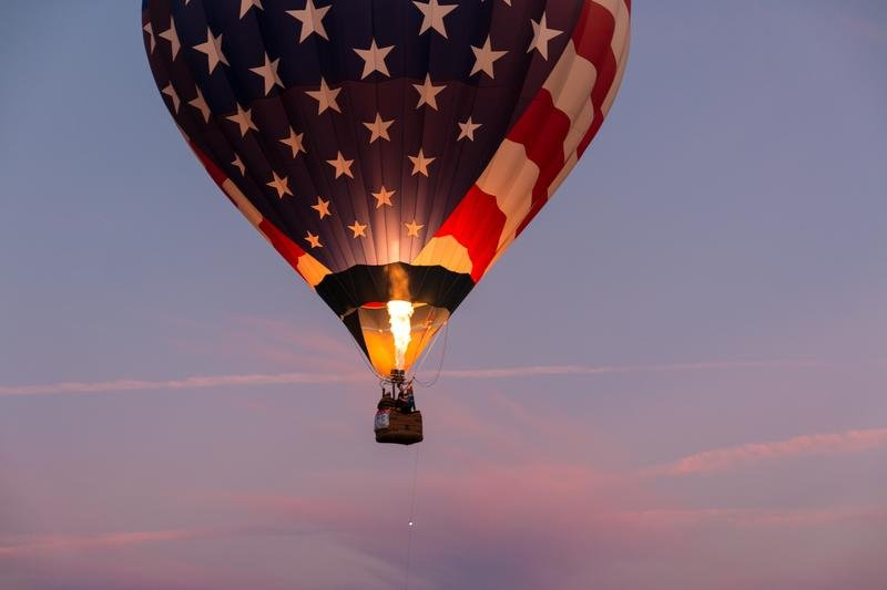 american-hot-air-balloon-hosea-georgeson-1046086-unsplash
