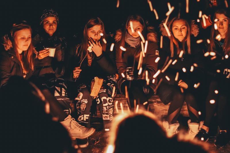 campfire-ethan-hu-Vrb5X-UKAb8-unsplash