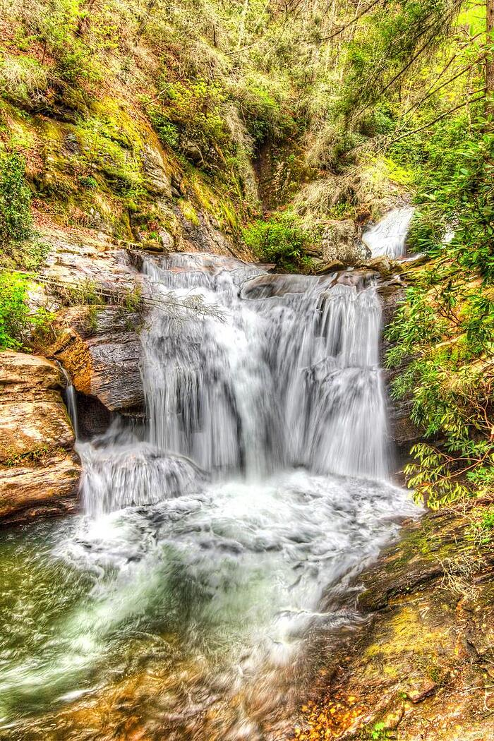 cris-anzai-stock-photo-dukes-creek-falls-69403113-tiny
