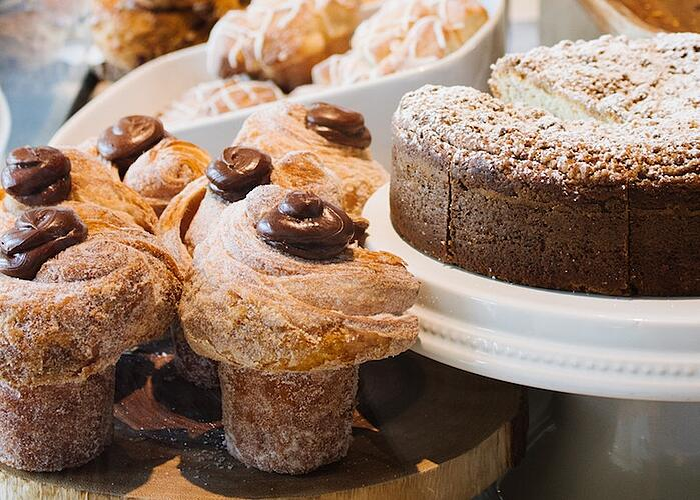 dessert-hofers-kirsten-drew-782433-unsplash