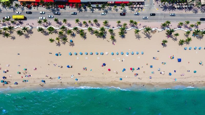 florida-beach-lance-asper-eJx43ng-fTU-unsplash