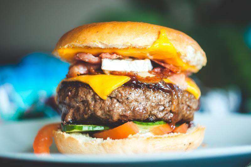 hamburger--cheese-erik-odiin-787777-unsplash