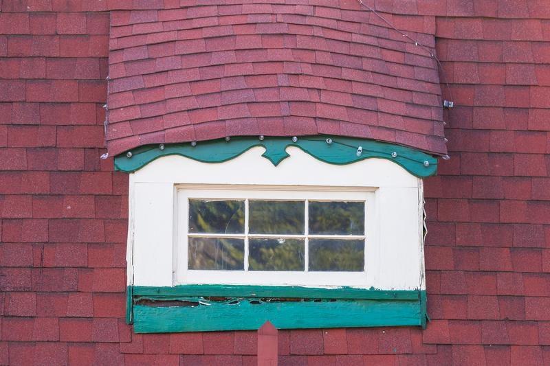 helen-georgia-window-shutterstock_621294668