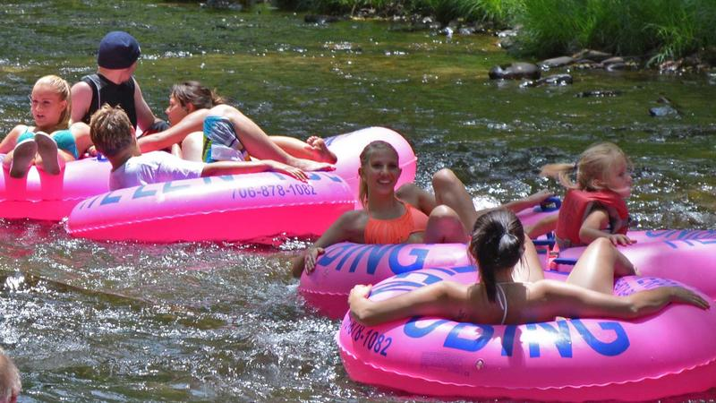 Your Comprehensive Guide To Tubing In Helen Georgia On The Chattahoochee River + Snow Tubing Details