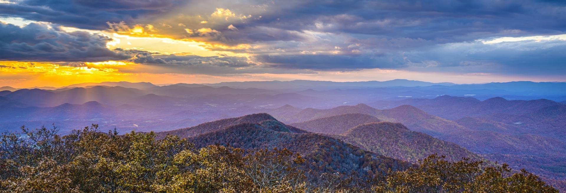 north-georgia-mountains-blue-ridge-shutterstock_213140653