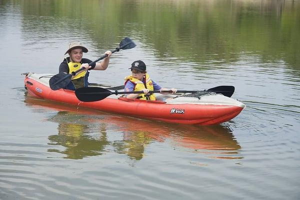 paddlers-kayaking-paddles-canoeing