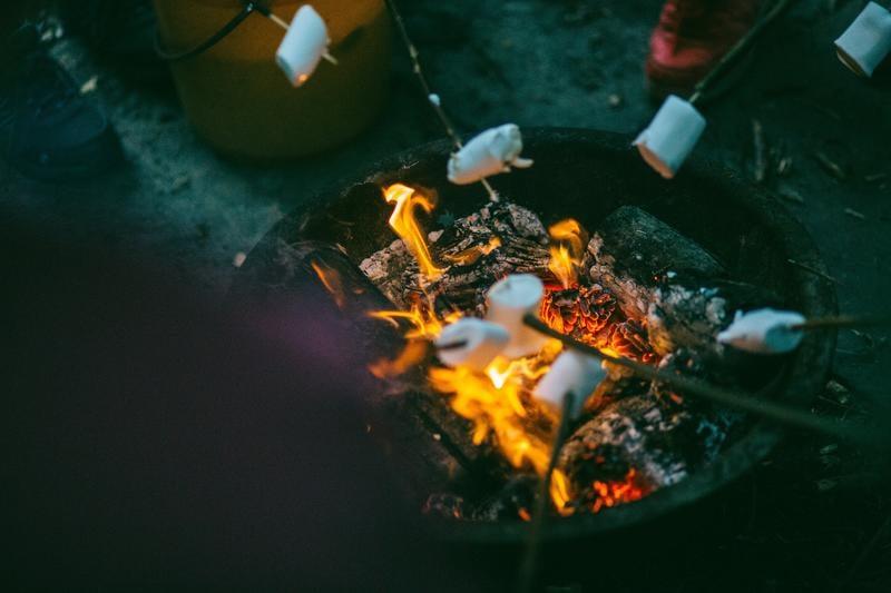 roasting-marshmellows-camping-josh-campbell-701251-unsplash