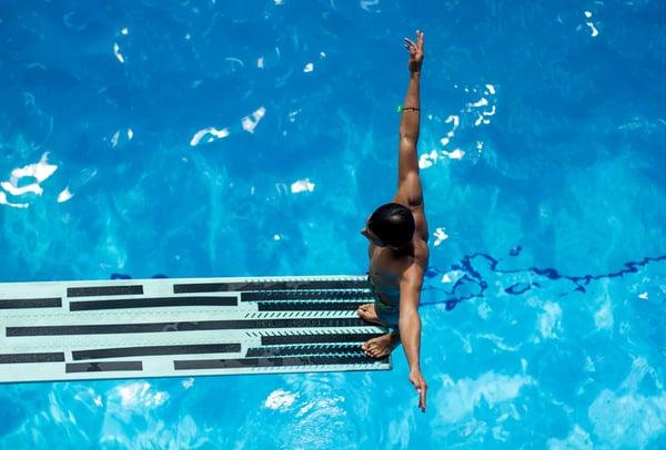 swimming-2741030_1280
