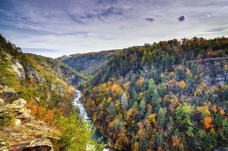 tallulah-gorge-north-georgia-shutterstock_214813114