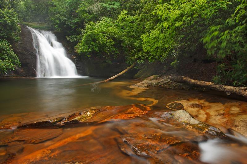 waterfall-shutterstock_54028747