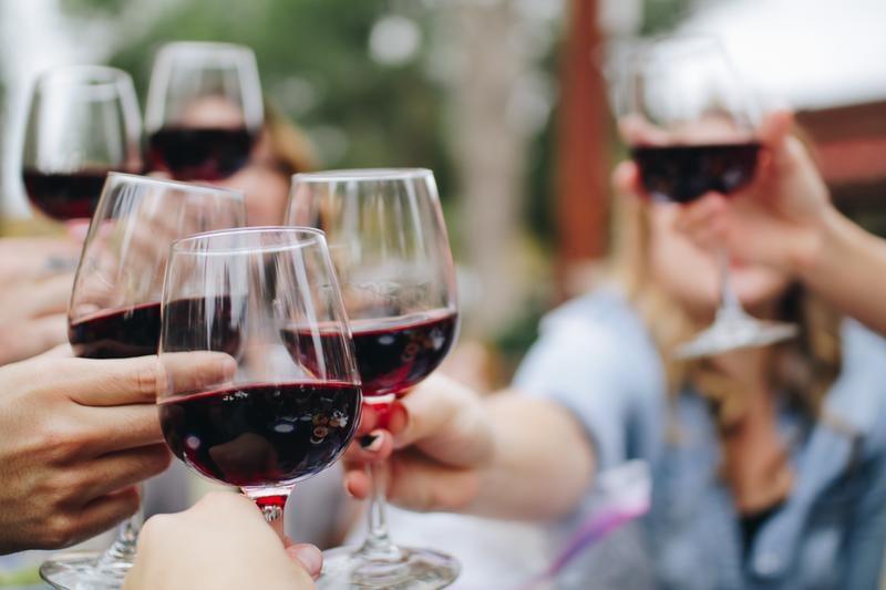 wine-glasses-kelsey-knight-449204-unsplash