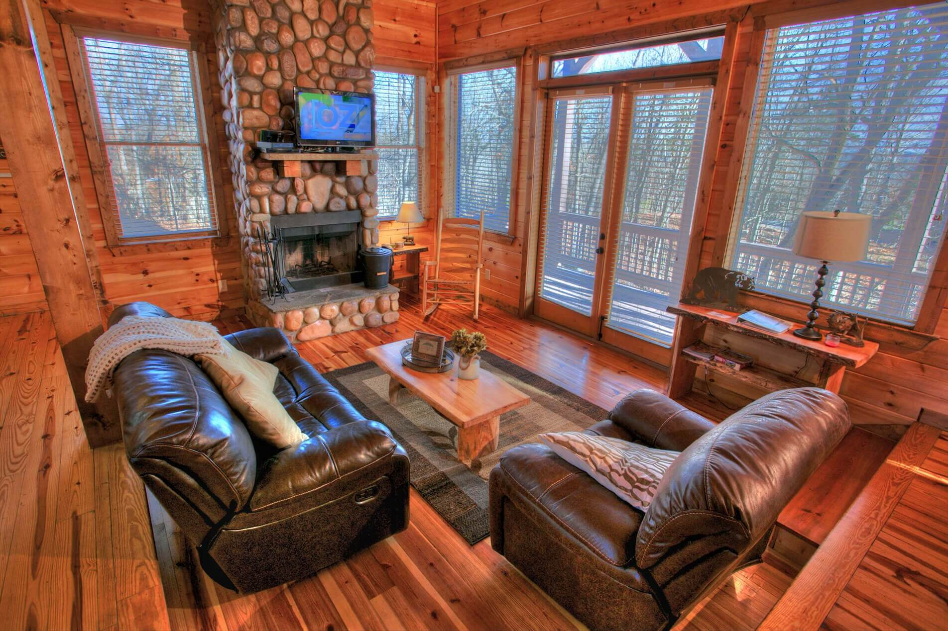 bears waterfront htm blog cabin rentals escapes com georgia in mountainescapesproperties toccoa cabins river mountain