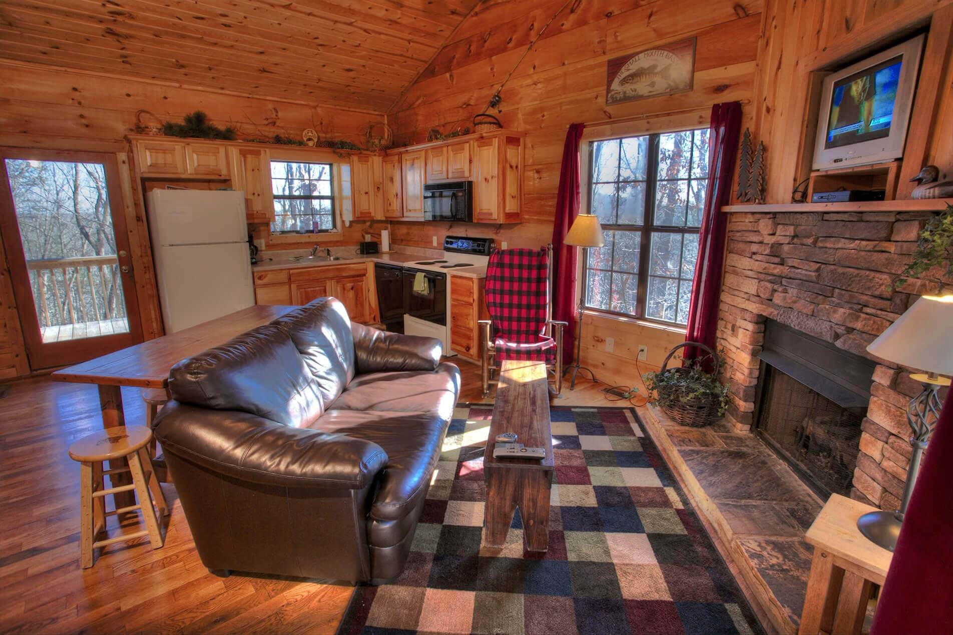bd vacasa helen cabins cabin rental nacoochee vacation rentals unit ga high in sautee natural