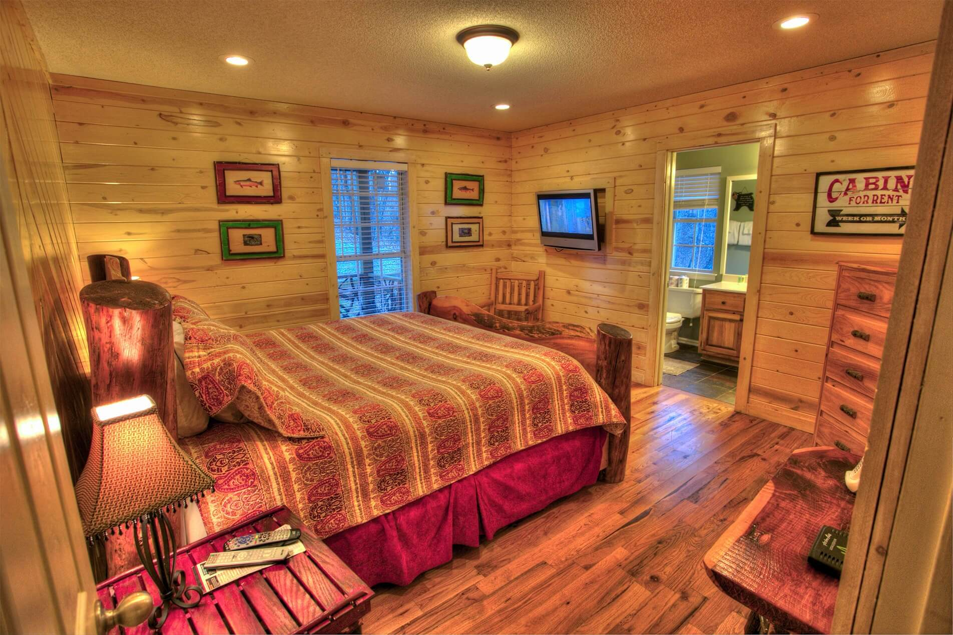 Moose Hollow Couples Cabin Inside Bedroom