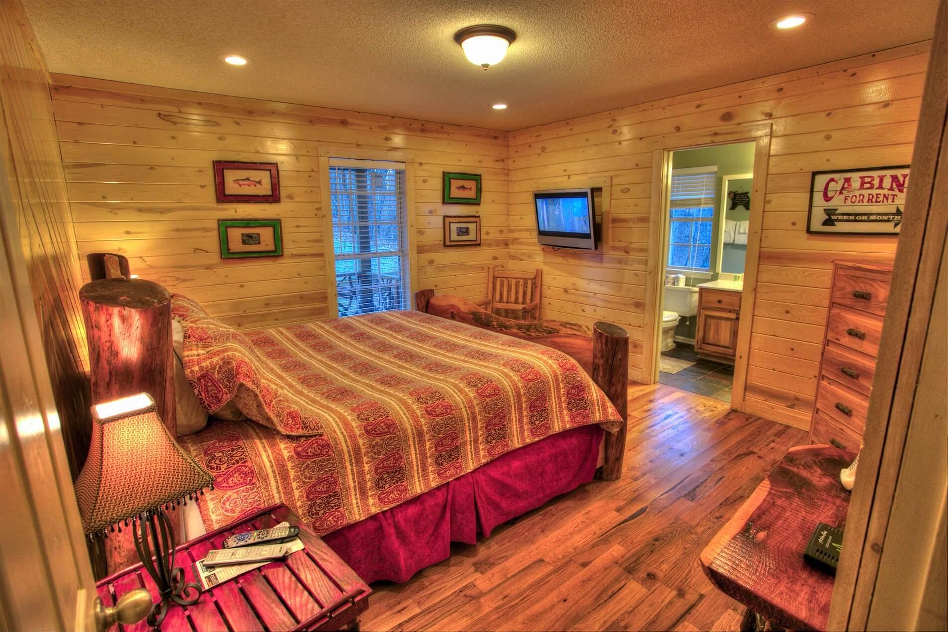 Moose Hollow Couples Cabin Inside Bedroom
