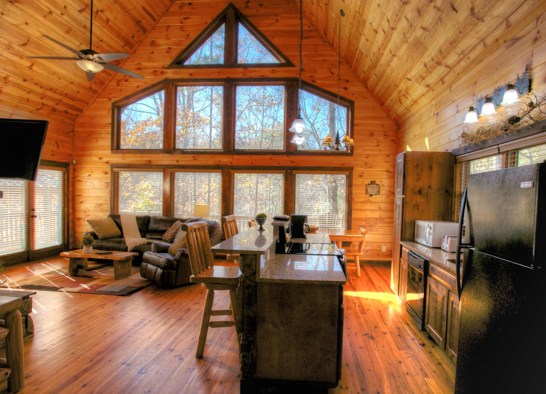 oak-hill-cabin-interior-helen-ga