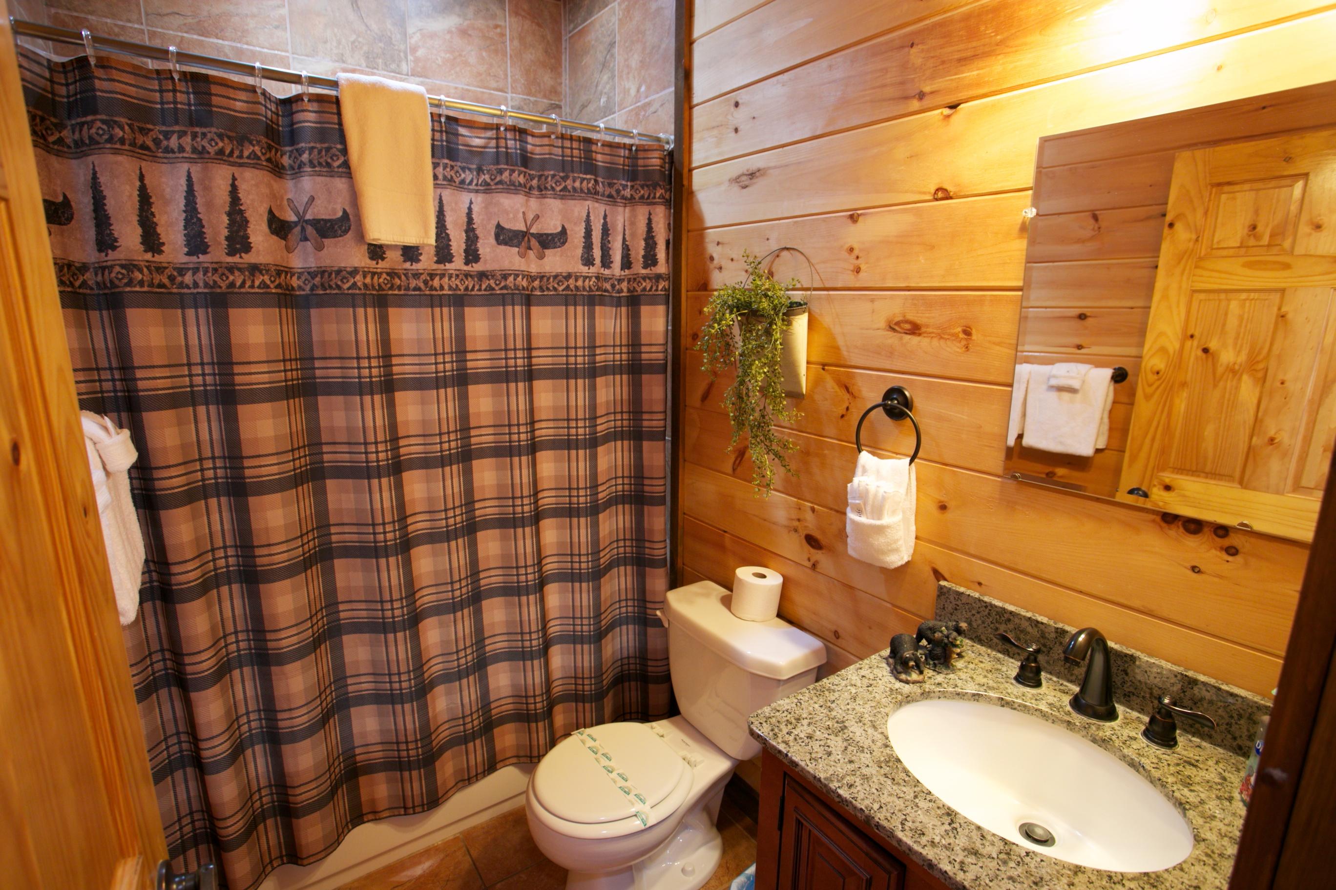 oak-hill-sink-bathroom-rentals-ga