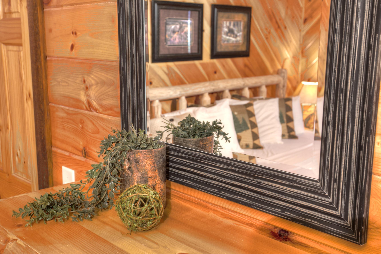 oak-hill-mirror-cabin-rentals