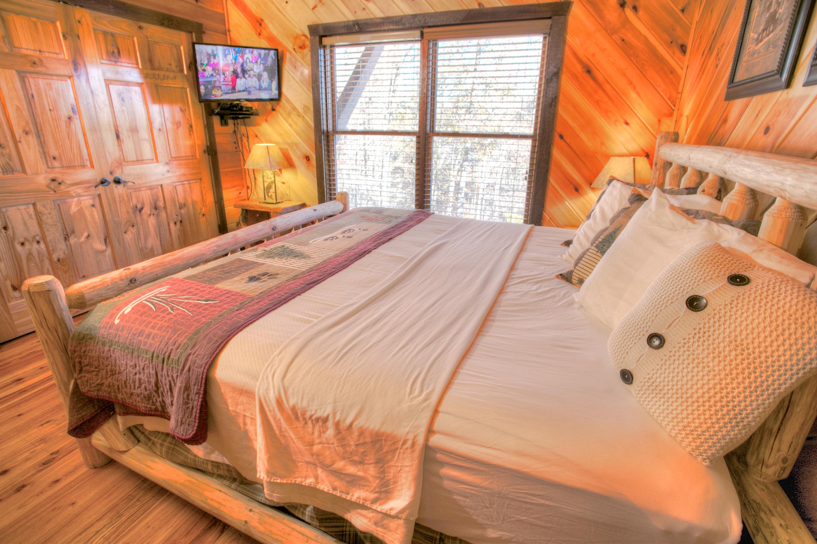 oak-hill-bedroom-helen-ga