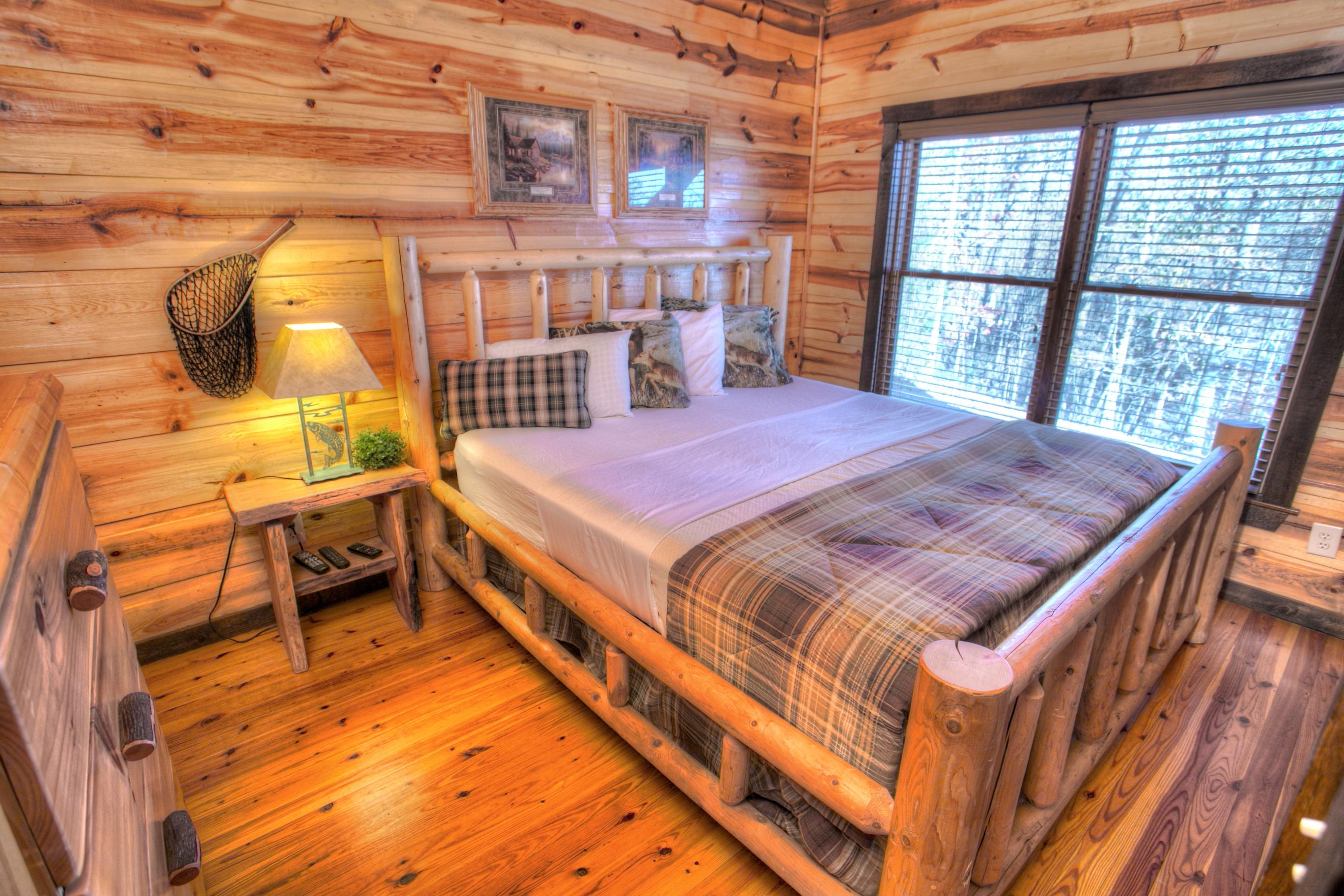 oak-hill-helen-ga-rentals-bedroom