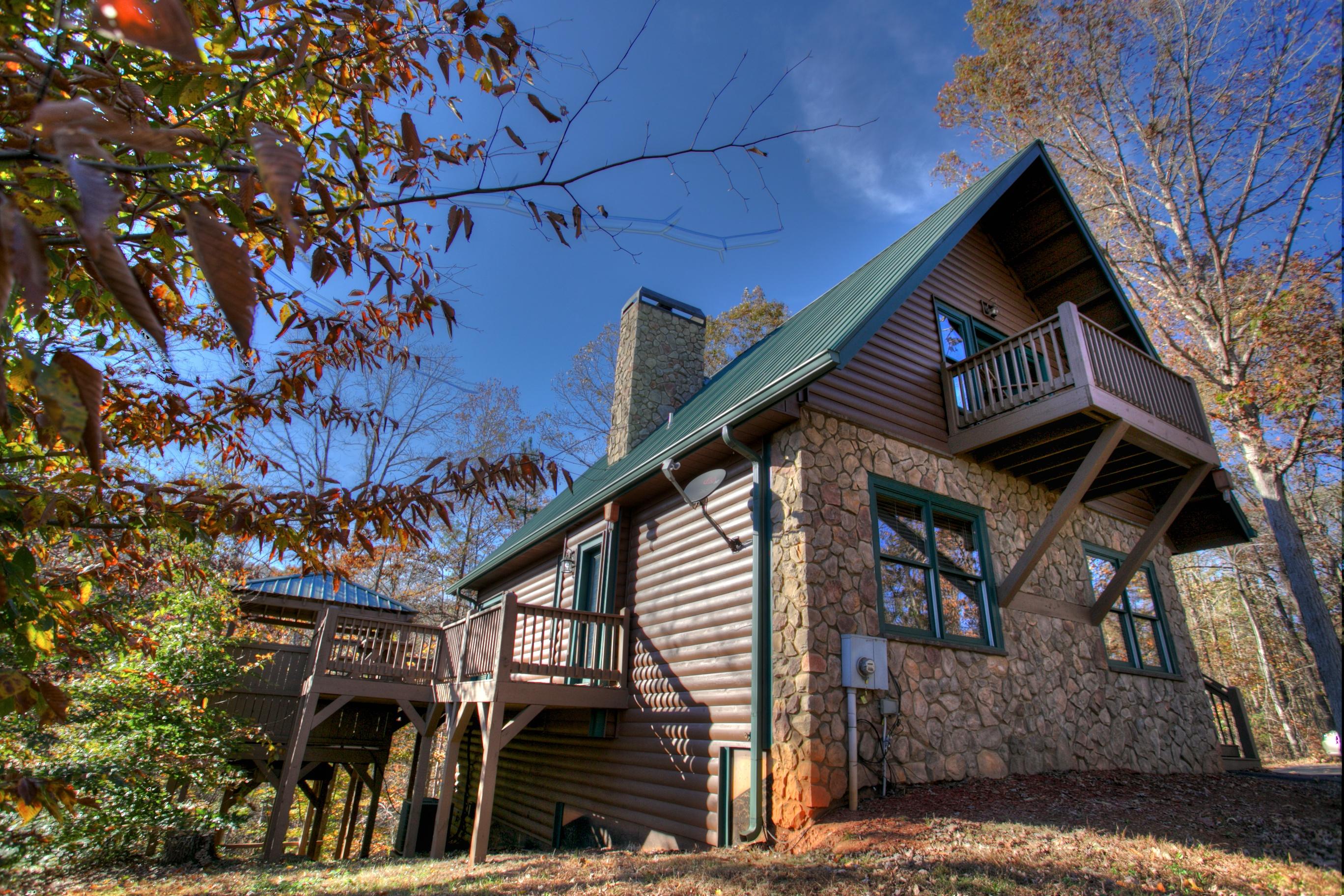 oak-hill-ga-cabin-outside