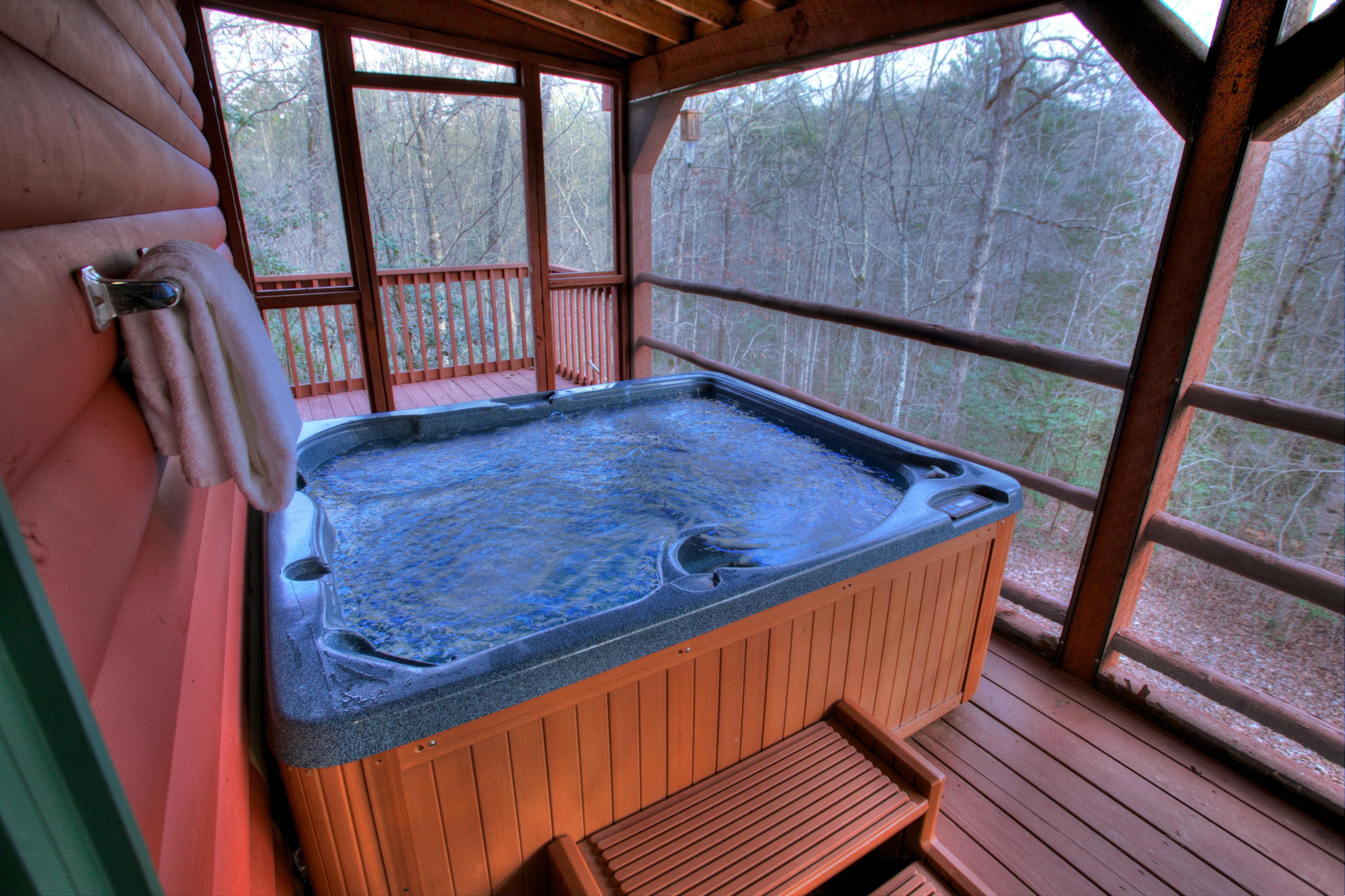 trout-lily-cabin-helen-ga-jacuzzi-romantic