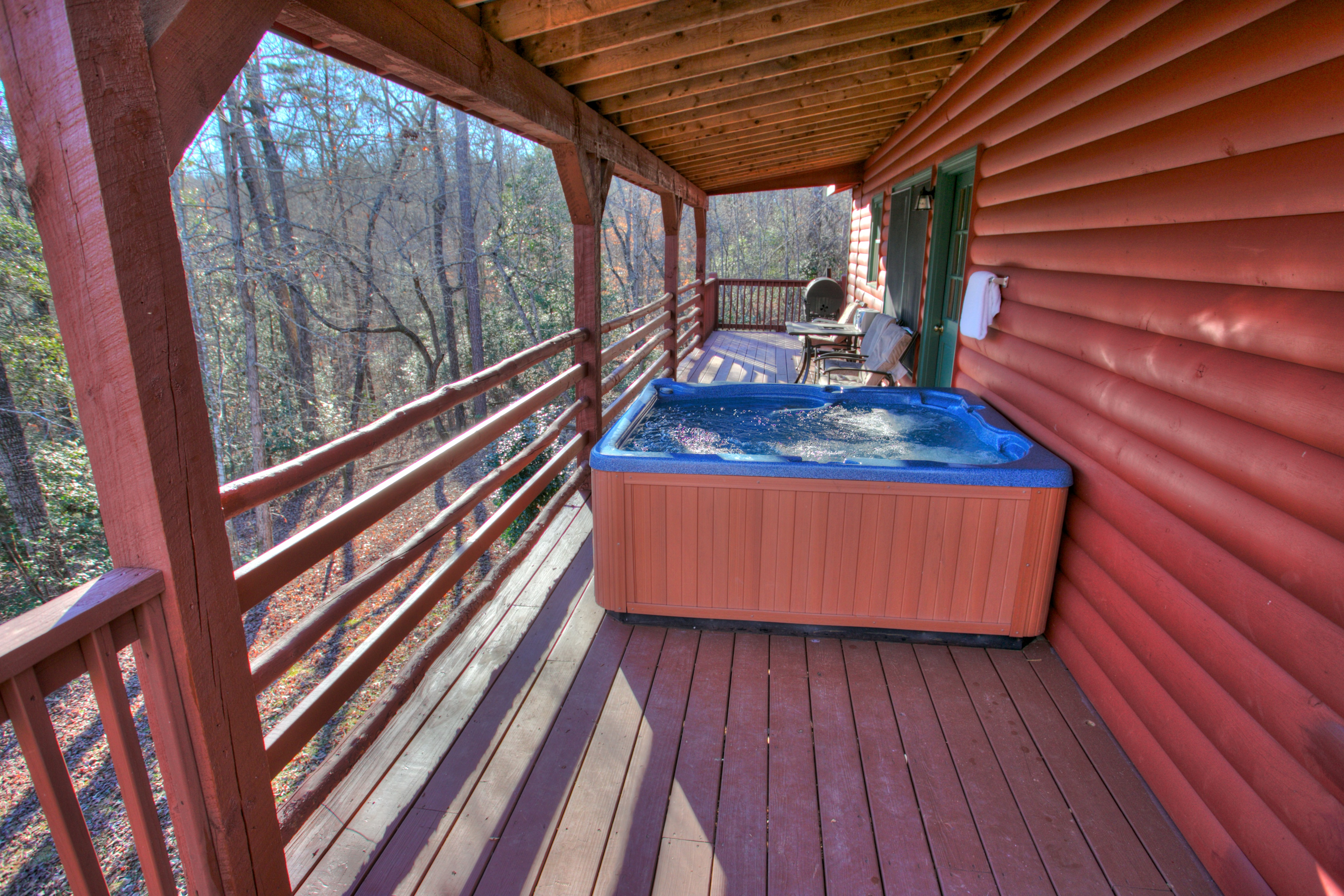 trout-lily-cabin-helen-ga-jacuzzi-rentals
